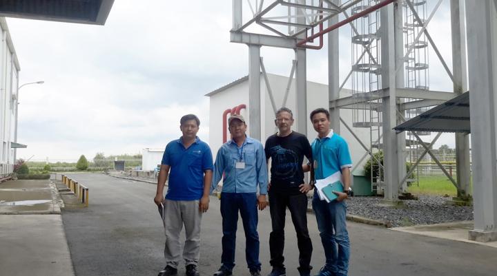Đại Thanh đi thăm và làm việc tại nhà máy Coronet Bến Tre